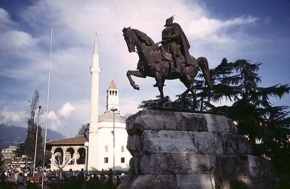 TiranaSkandeberg