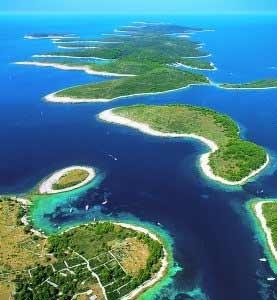 Navi Croazia: raggiungere facilmente la Costa Croata con Traghetti Amatori