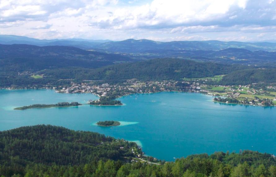 Veduta del lago Wörthersee, nel cuore della Carinzia (Austria) #fotospettacolari