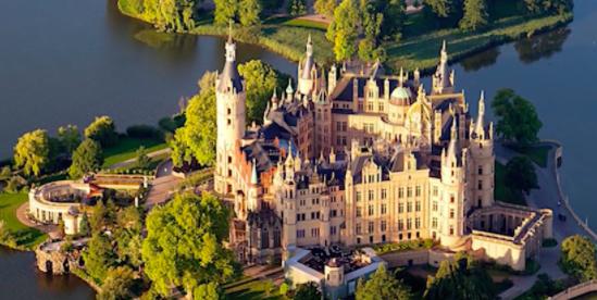Schwerin: la città dei sette laghi in Germania