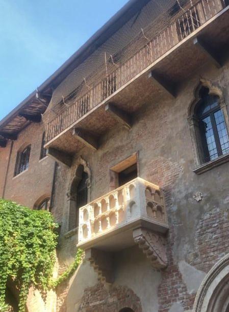 Veduta balcone di Giulietta e Romeo (Verona)