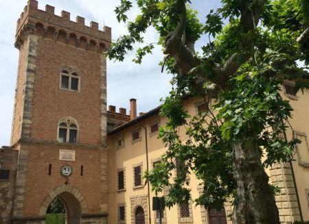 Castagneto Carducci: piccolo, delizioso borgo in Toscana